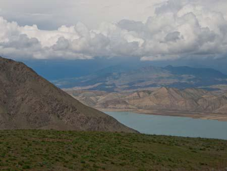 Picturesque mountain scenery along the Naryn River