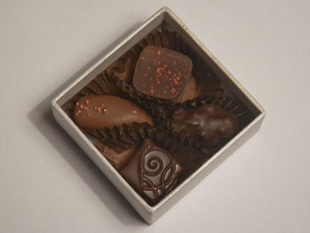 Bateel 4pc Bianca Box with chocolates