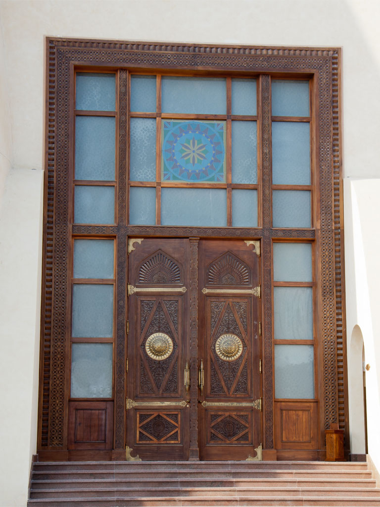 Imam abdul wahhab mosque qatar state grand mosque sonya for Grand entrance doors
